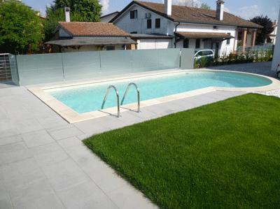 Pavimento per esterni modello lastra grigia si adatta - Lastre da giardino ...