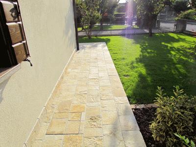 Pavimento per esterni modello pietra gialla questa for Pietre da pavimento esterno